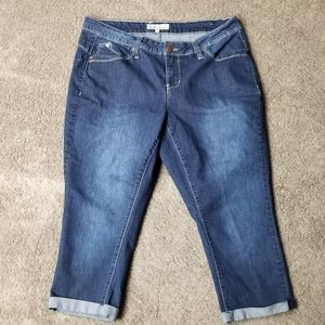 Royalty WannaBettaButt? Capri Jeans 14W